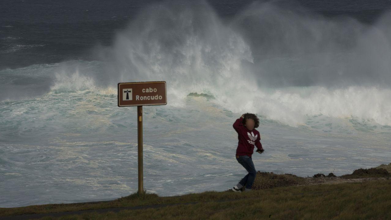 El mar de fondo deja estas impresionantes imágenes en la Costa da Morte: ¡álbum!