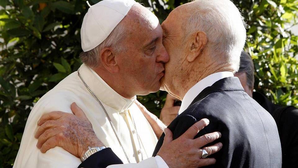 Un encuentro de 40 minutos con el pontífice.Un público de menos de 30 años llenó ayer el auditorio de Abanca para conmemorar la JMJ.
