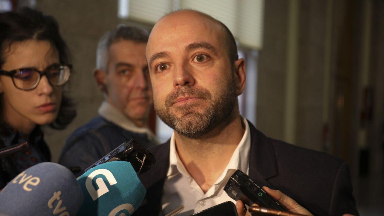 La polémica proyección de los papeles de Bárcenas.Manuel de la Rocha (PSOE), Daniel Lacalle (PP), Luis Garicano (C´s), Nacho Álvarez (UP) y Rubén Manso (Vox)