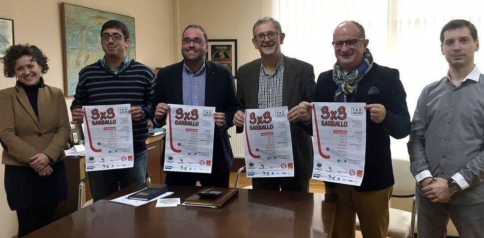 .Carmelo Paniagua estuvo acompañado por Evencio Ferrero, Marcos Trigo y directivos de Lubiáns.