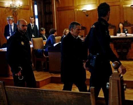 Sin rastro de Marta.Los acusados están, en todo momento, custodiados.