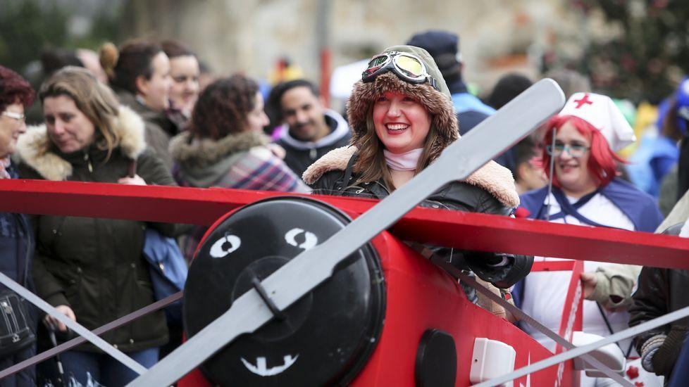 Desfile de comparsas en Ferrol
