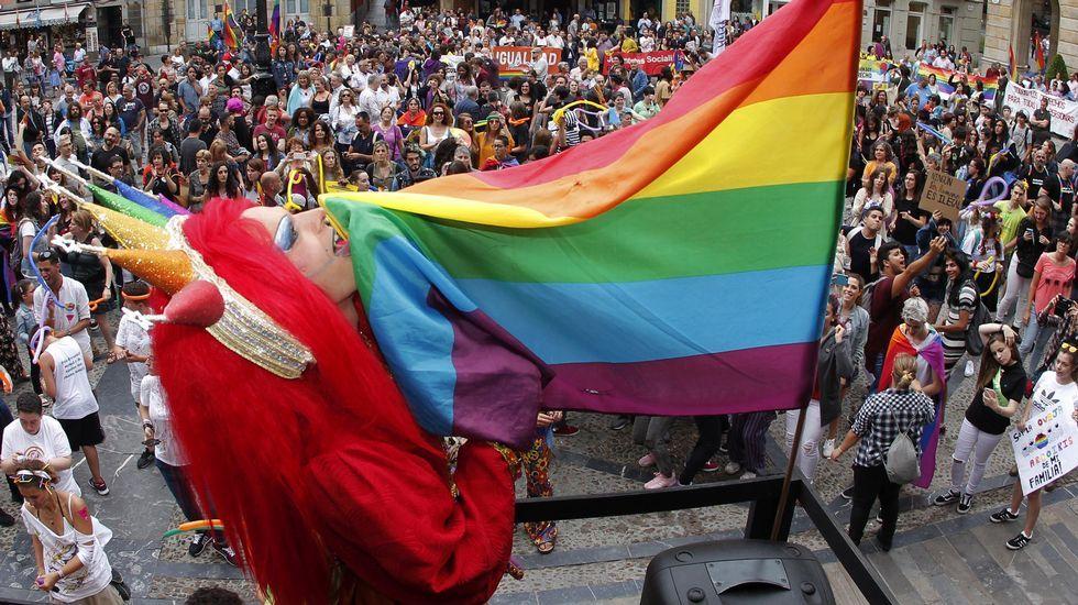 Un momento de la marcha del Orgullo en Gijón. El colectivo de lesbianas, gais, bisexuales y transexuales de Asturias, Xega cumple 25 años defendiendo sus derechos