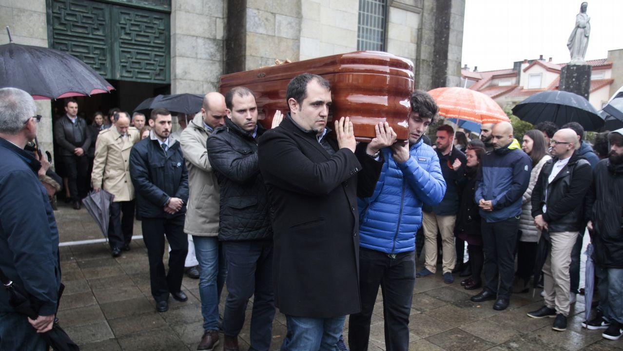 Román Rodríguez (izquierda), Felipa Jove y Ángel Carracedo, ayer en A Coruña
