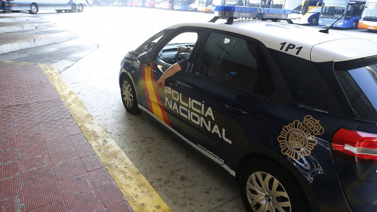 Así fue la operación en la que cayó el primer gran alijo del año en Galicia.La Policía adiestra a los profesionales sanitarios para evitar agresiones