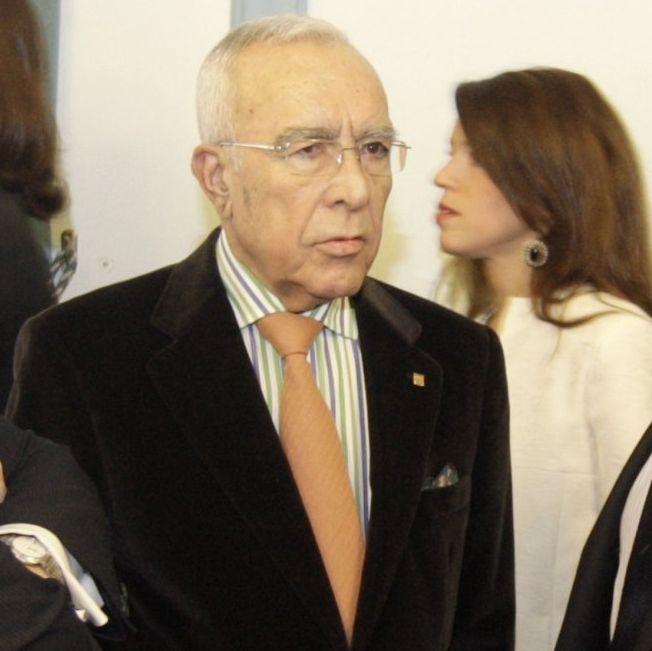 Cacharro presidió la Diputación desde 1983 al 2007.