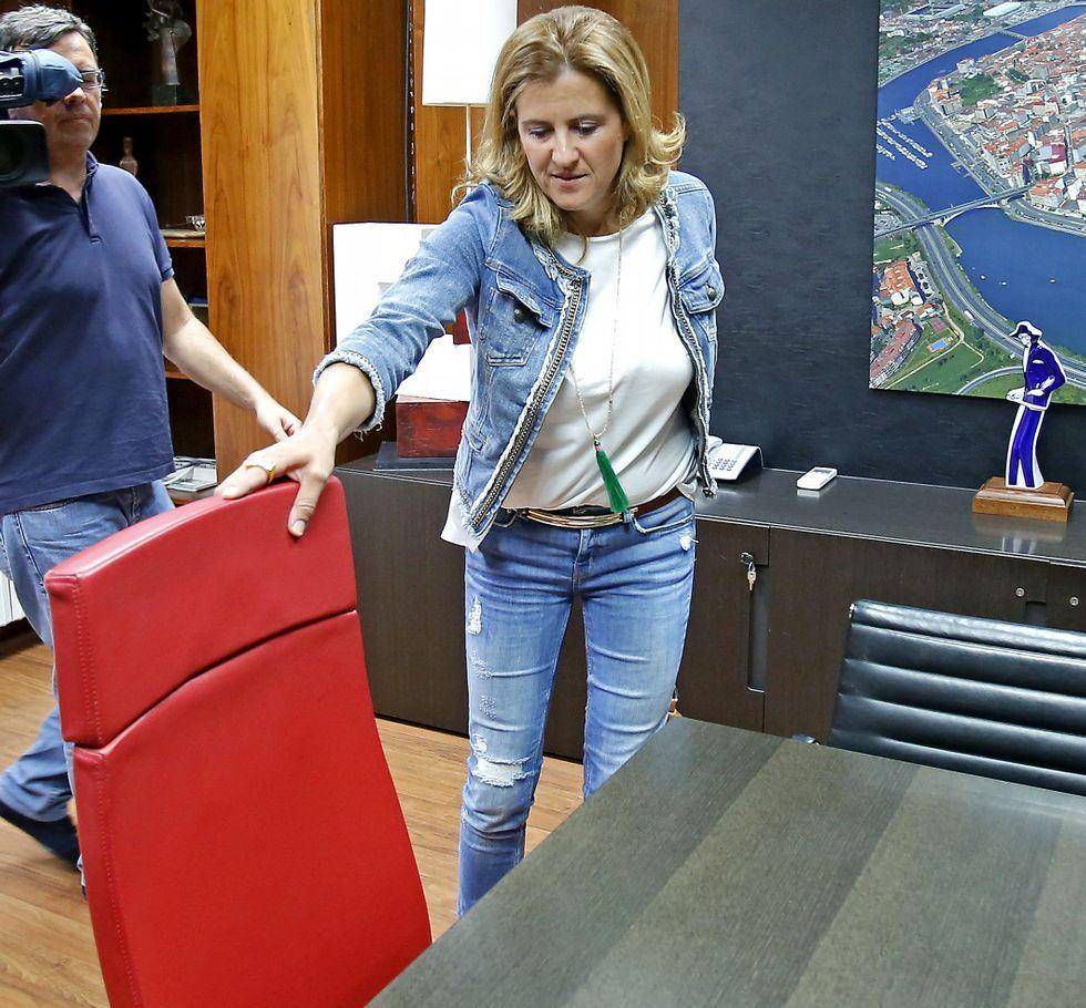 Un sector de su propio partido, Ciudadanos, pretende moverle la silla a María Rey.
