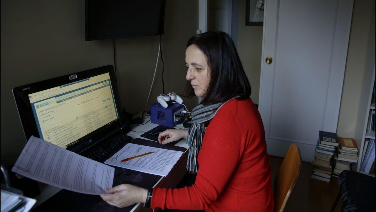 Fernanda Domínguez, que vive en A Coruña, ya solo va dos días a la semana a Santiago