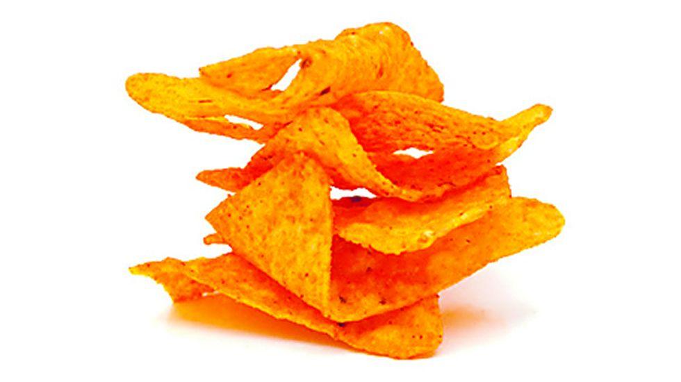 Patatas fritas. Los doritos son los más peligrosos, 41 gramos ya suman todas las calorías.