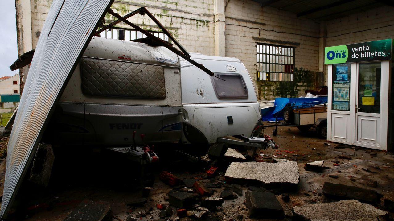 .Destrozos por el temporal en Adina en Sanxenxo.