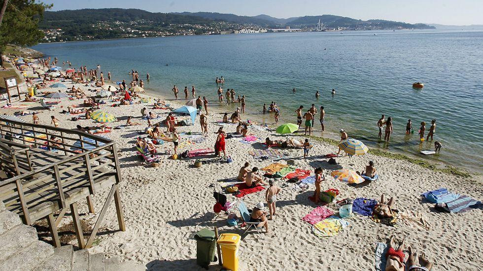 Playa de Retorta, en Boiro.Playa de Cabeceira, en Poio