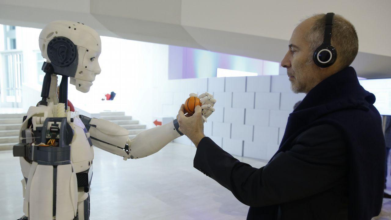 Del robot pintor al humanoide servil de la Maker Faire Galicia
