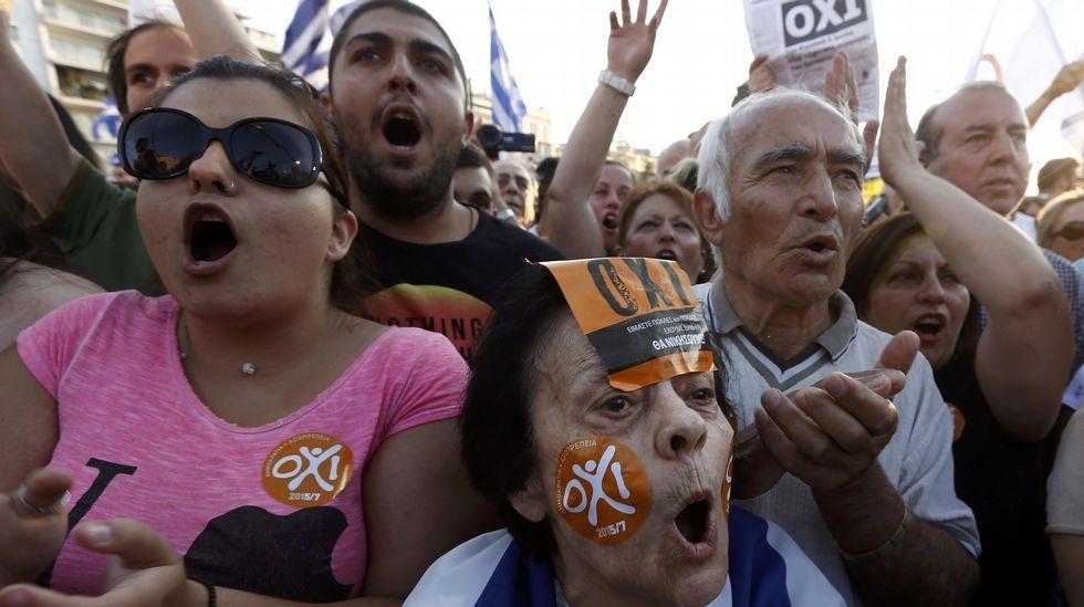 Manifestaciones multitudinarias en Atenas por el referendo.Protesta a favor de Grecia