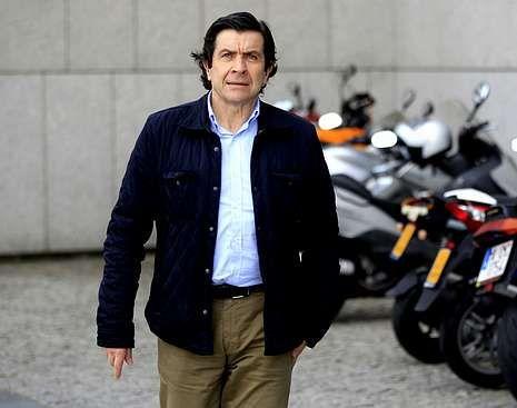 Ríos desbordados por toda Galicia.La marcha de Eladio Costas deja al PP en minoría.