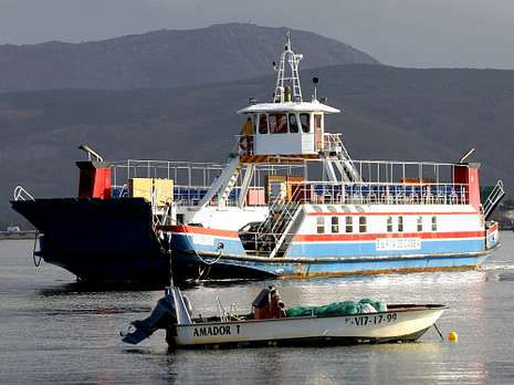 <span lang= es-es >Antecedentes</span>. El Santa Rita de Cassia lleva 15 años uniendo las dos riberas y es el único ferri internacional que perdura en las aguas del Miño.