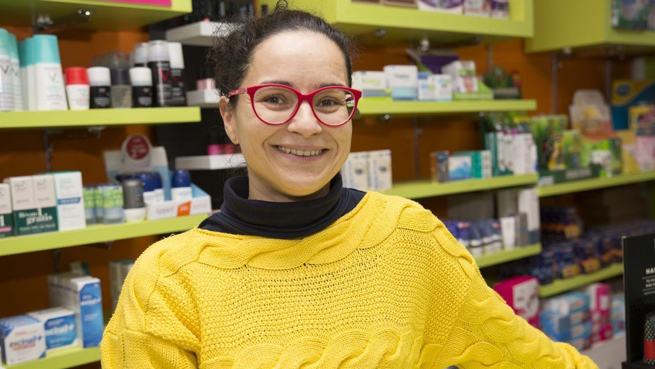 «Son moi bailadora».Sahila Rellán tiene una parafarmacia en Ponteceso