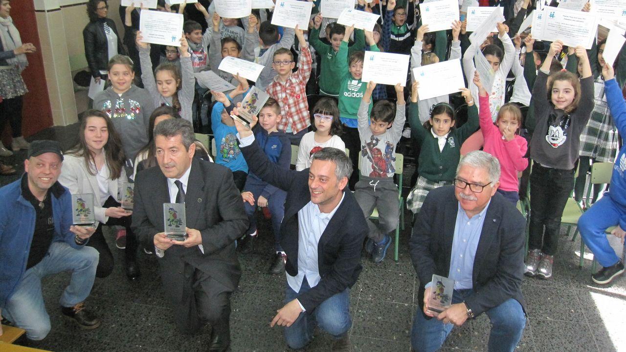 El programa TEI, es la apuesta de este año. El alcande Xulio Ferreiro acudió a la entrega de diplomas. Los alumnos de quinto estaban más que orgullosos