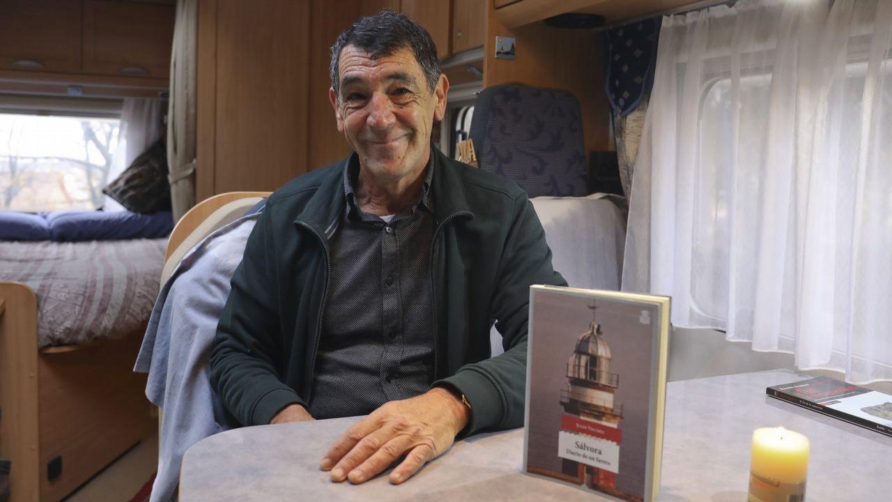 Julio Vilches, farero de Sálvora durante años y único habitante de la isla