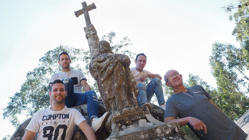 ¡Búscate en la carrera pedestre de Fisterra!.Telón y Aparte es una de las asociaciones que recibió ayudas del ente provincial