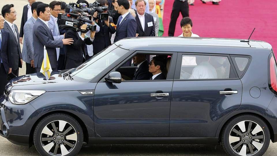 «Chick, chick», el nuevo vídeo musical viral.Vehículo usado por el papa Francisco en su viaje a Corea del Sur