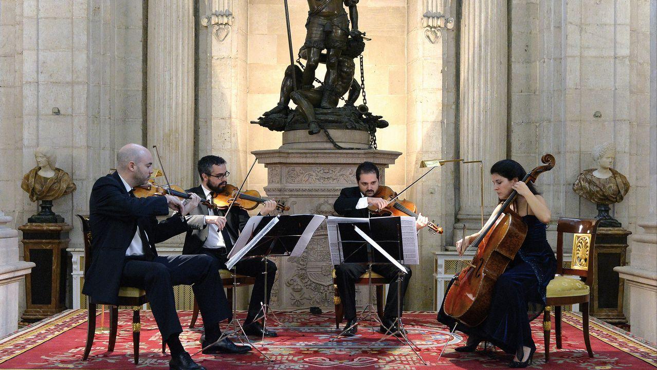 Así lució Melania Trump los mocasines de Zara.O Cuarteto Quiroga está formado por Aitor Hevia, Cibrán Sierra, Josep Puchades e Helena Poggio (de esquerda a dereita)