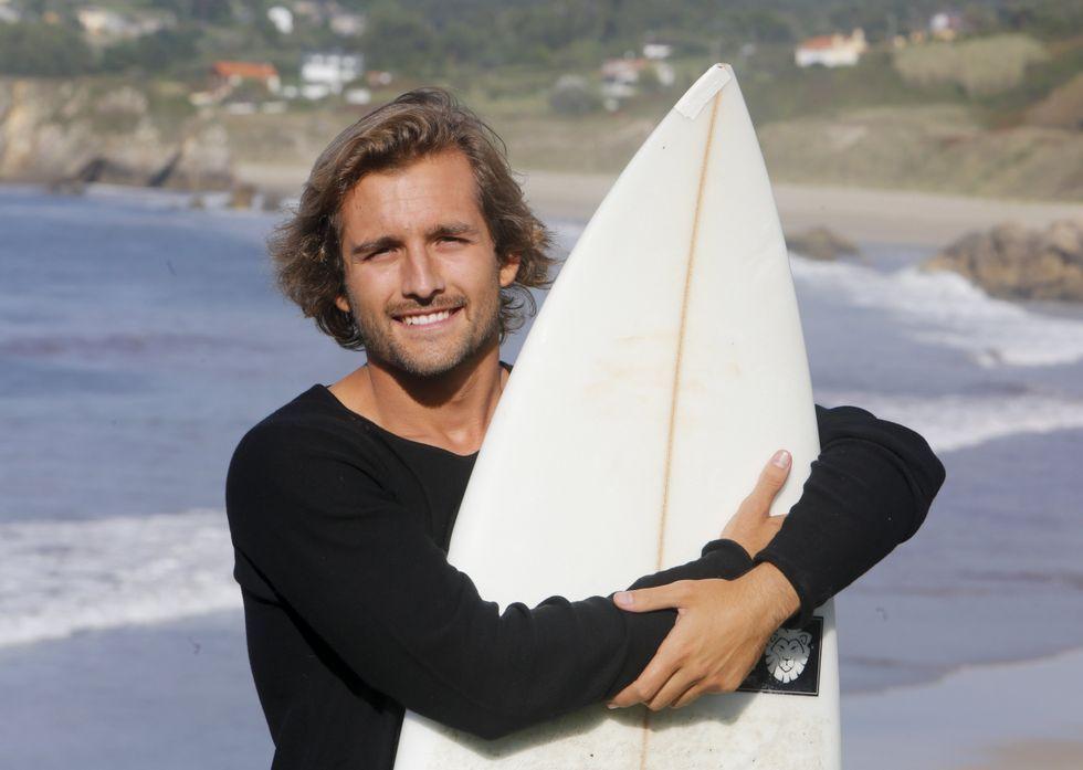 Pablo Maciñeira López es profesor de surf y un viajero incansable.