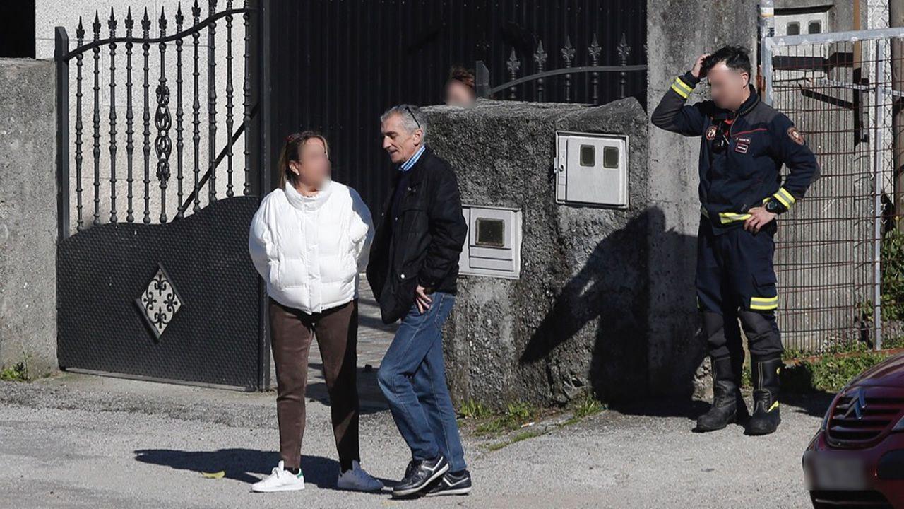 Taller de Vilalonga, en Sanxenxo, donde la Policía inspeccionó el coche de la pareja de David Araújo, también investigado en el caso de Sonia Iglesias.La expareja de Sonia Iglesias, Julio Araújo, durante el registro