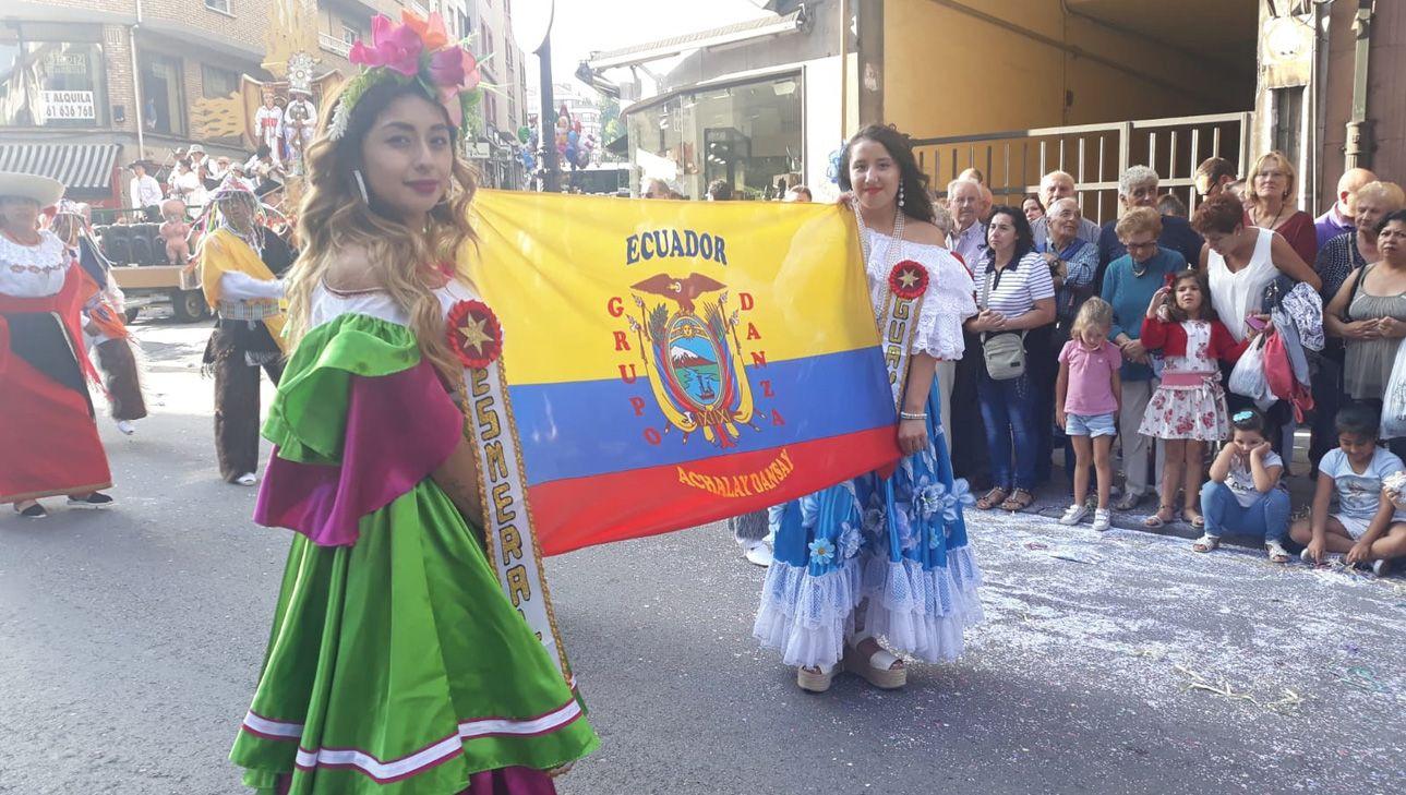 Figurantes de Ecuador en el Día de América en Asturias 2018