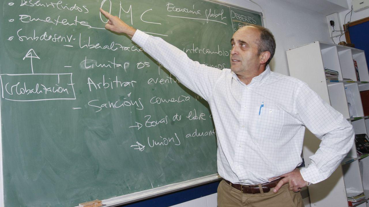relevo rural.Luis García dirige en Coristanco uno de los centros de Formación Profesional (FP) que adiestran en Galicia a técnicos superiores en Ganadería o en Paisajismo y Medio Rural
