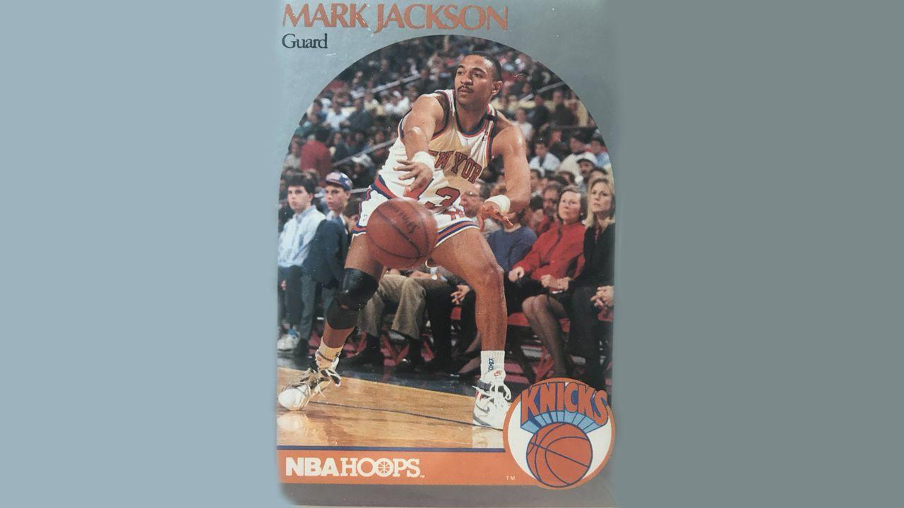 Incidente con un gallego en un partido de los Miami Heat.Los hermanos Menendez, los dos primeros empezando por la izquierda, en un cromo de Mark Jackson de la temporada 1989-1990