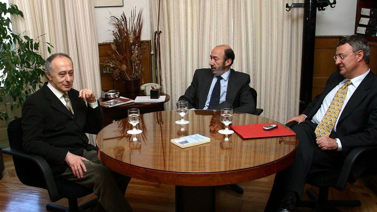 Reunión del nacionalista Francisco Rodríguez con Pérez Rubalcaba y Caldera para buscar apoyo para la investidura de Zapatero en el 2004