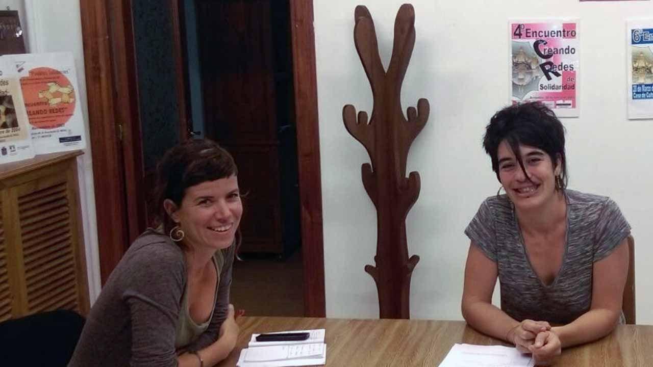 Irene García y Verónica Sánchez, de la asociación Varagaña.