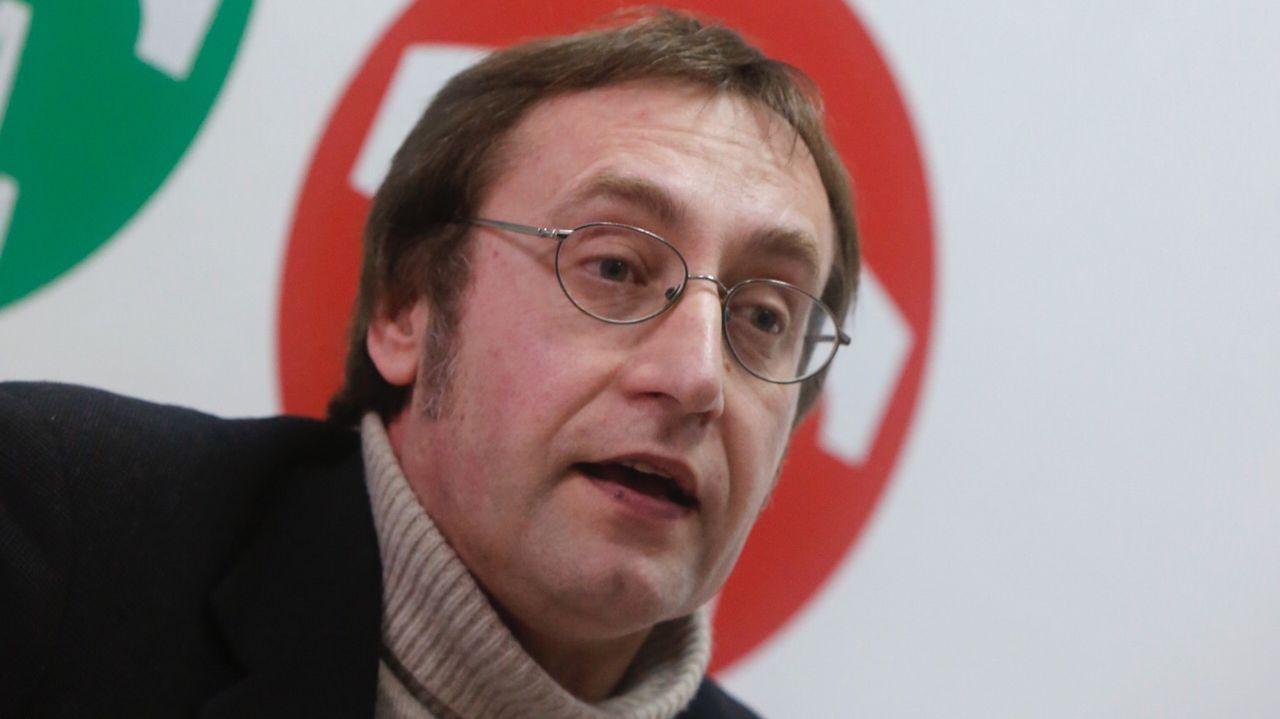 Villares pone la dimisión de Merlo como ejemplo y Santos la desvincula del caso Quinteiro