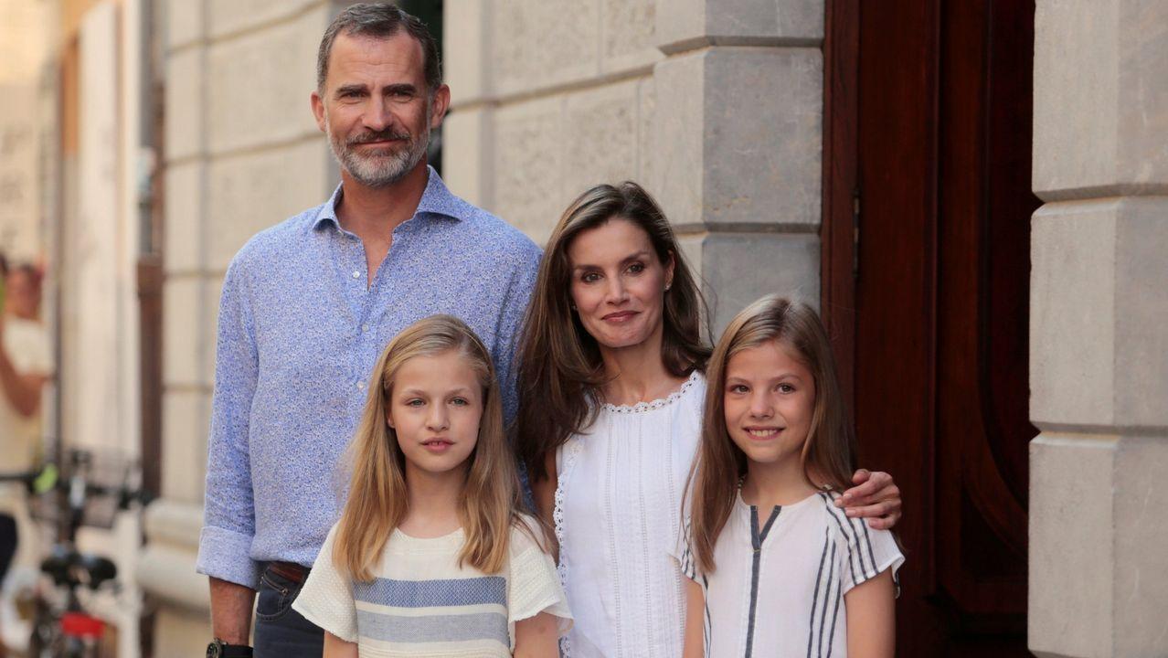 .Foto de familia durante su estancia veraniega en Baleares