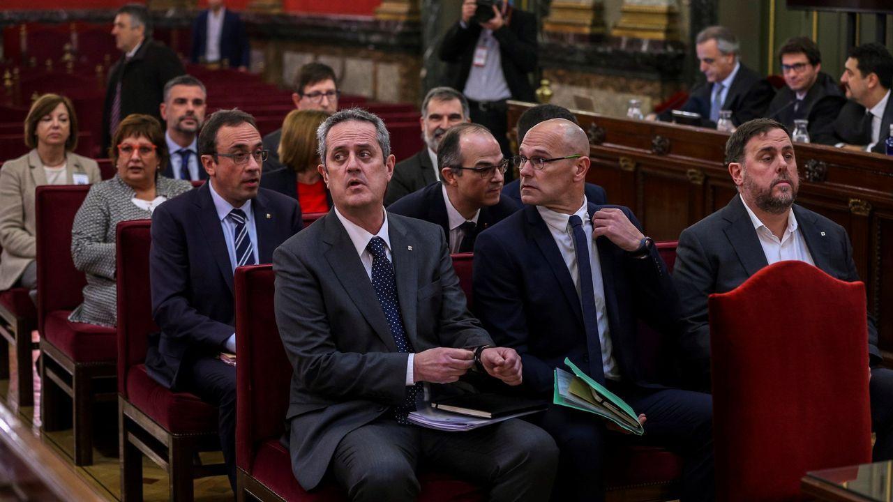 Os líderes independentistas e o resto dos acusados polo proceso soberanista catalán que derivou na celebración do referendo do 1 de outubro do 2017 e a declaración unilateral de independencia (DUI), durante a primeira xornada do xuízo no Tribunal Supremo
