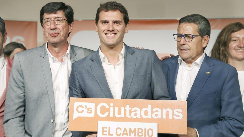Susana Díaz pide a Pedro Sánchez que no le haga elegir entre el PSOE y Andalucía.Feijoo advierte a Mas que es más fácil agitar banderas que pagar facturas.