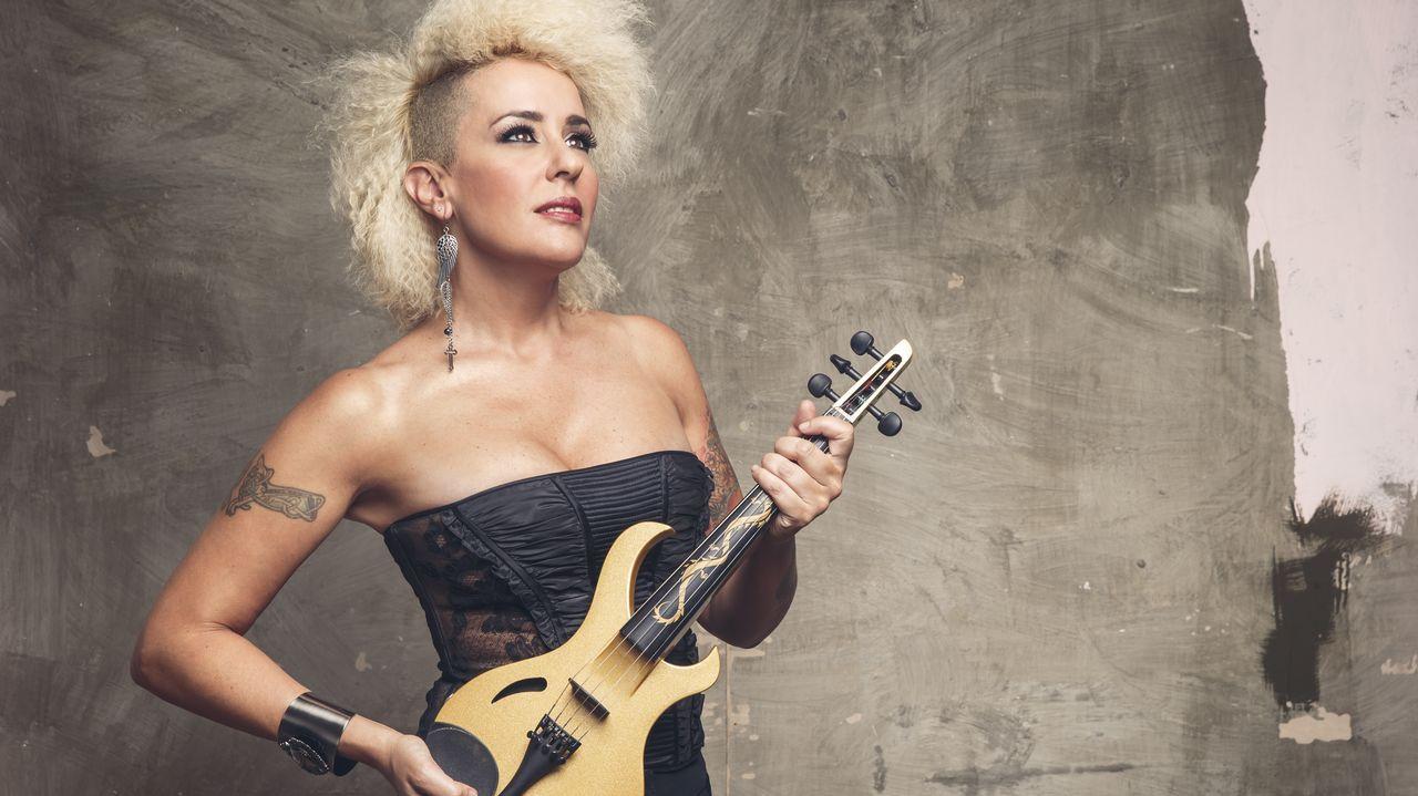 Marem Ladson presentando su disco de debut en el Café Pop Torgal