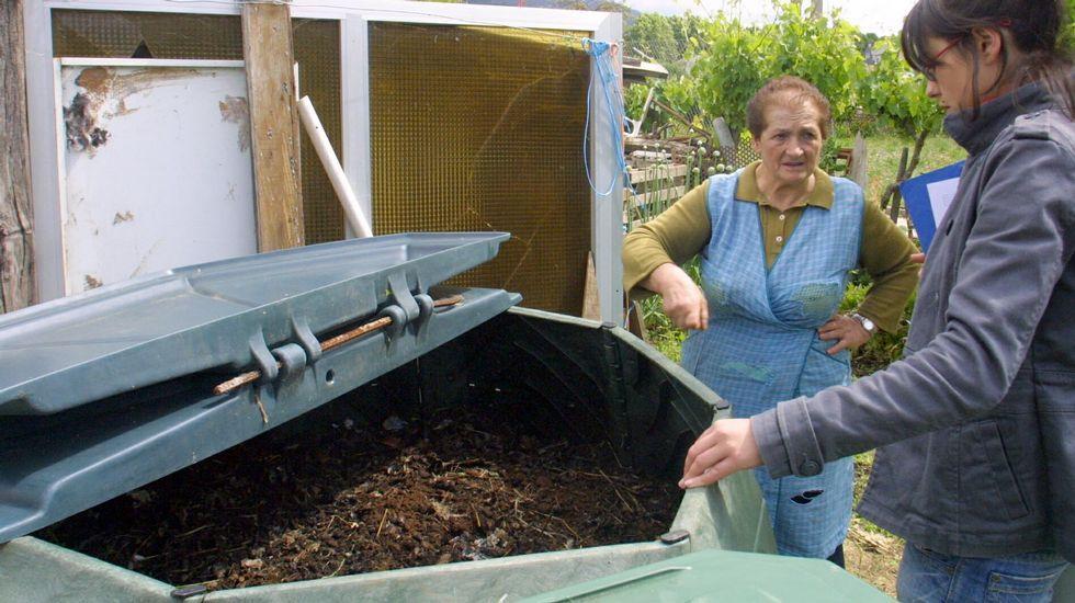 Un brindis de sensaciones en Valdeorras.O Barco inició el programa de compostaje doméstico en 2008