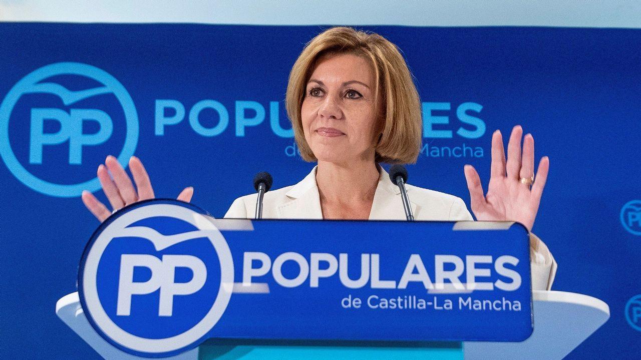 Cospedal: «Quiero ser la primera mujer en presidir el PP y España».Frialdad entre Sáenz de Santamaría y Cospedal en el acto en Madrid de la fiesta del Dos de Mayo