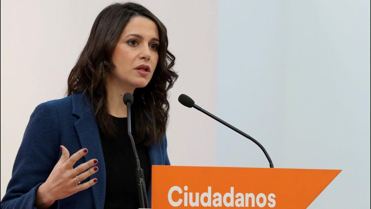 Miles de personas reclaman en Barcelona «seny» y un nuevo Govern