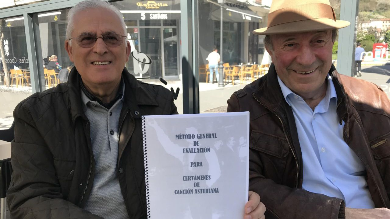 Alejandro Sanz cerrará su gira en Santiago.Arsenio Fernández-Nespral y Luis Estrada muestran el Método de Evaluación para Certámenes de Canción Asturiana