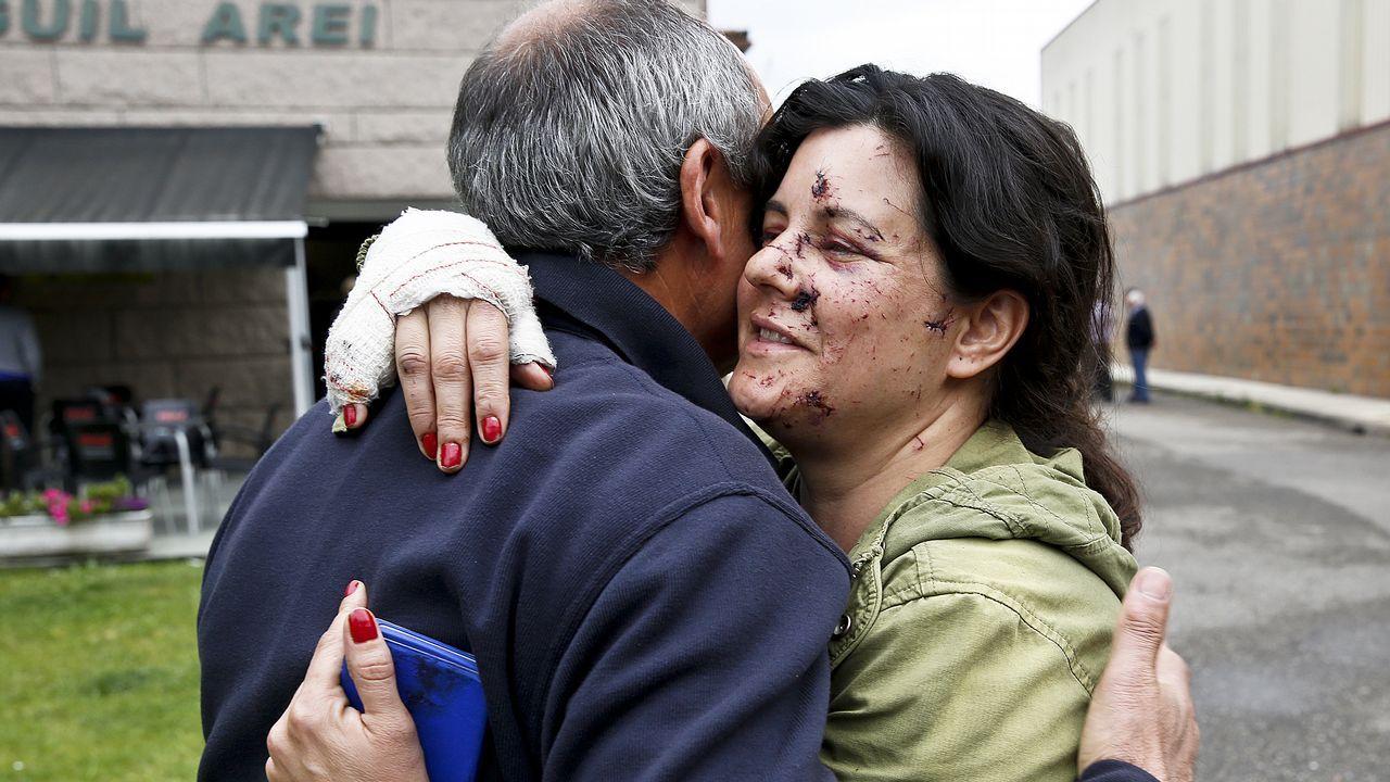 Indignación y nerviosismo entre los afectados por la explosión de Tui.El propietario de la pirotecnia, durante el registro del domingo