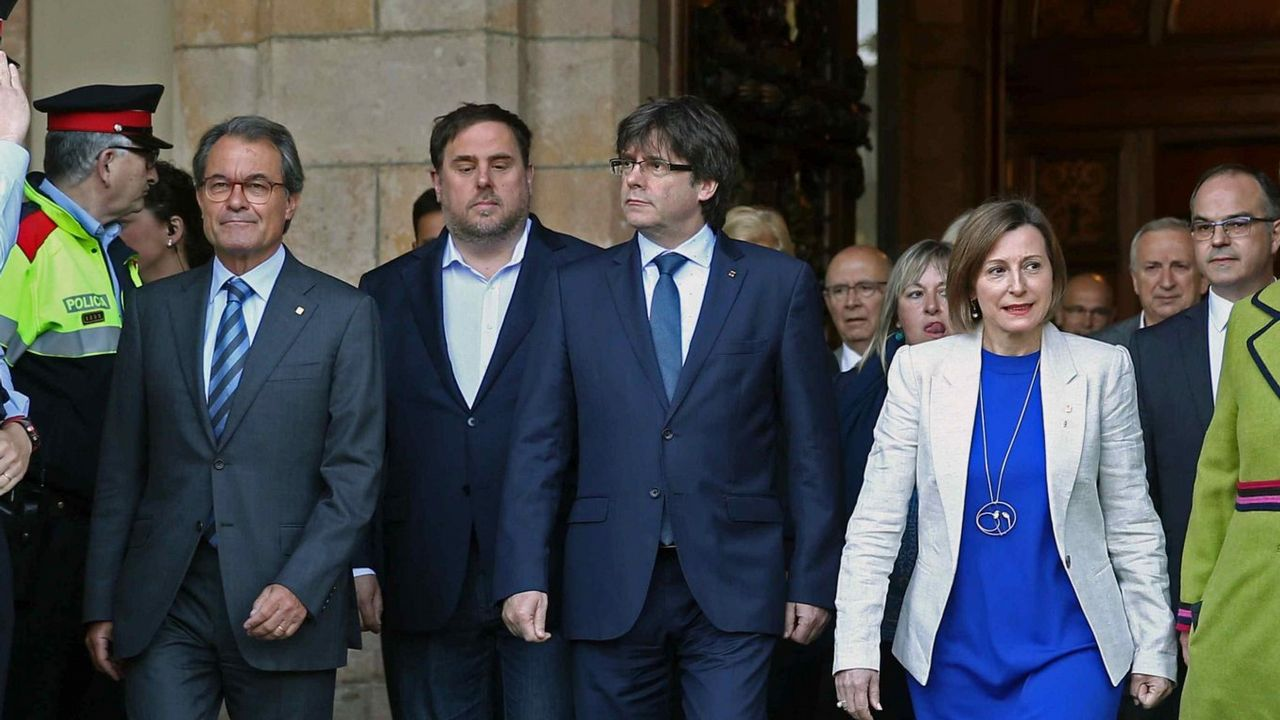 Se hace pasar por un difunto y cobra 120.000 euros durante veinte años.Wenceslao López, alcalde de Oviedo