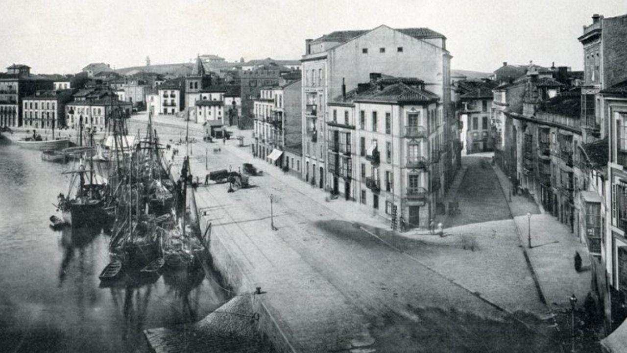 MARZU. Una vista general del muelle de Oriente y la calle Trinidad, hacia 1894