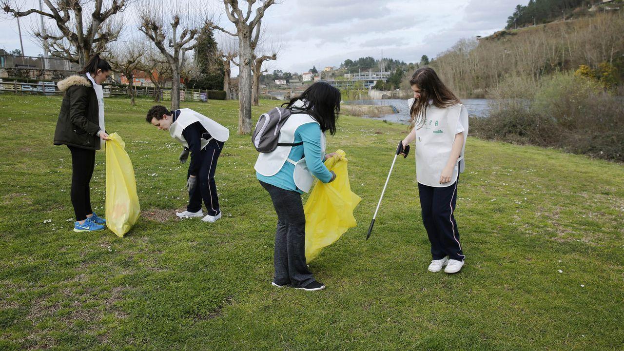 Voluntarios limpian 25 espacios naturales en Galicia.Sylvia Earl