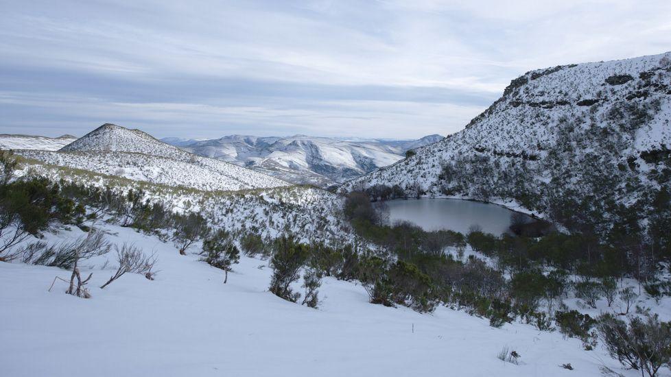 Aspecto de la laguna en pleno invierno, en una imagen del documental  Tempo , realizado por Manuel Valcárcel