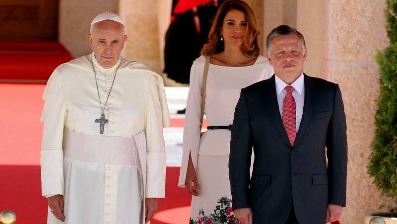 .Benedicto XVI durante su visita del 2010 a Santiago