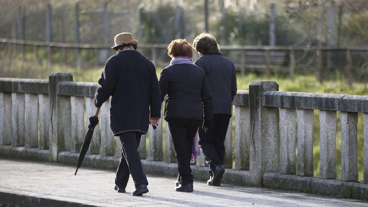 Se hace pasar por un difunto y cobra 120.000 euros durante veinte años.La mayoría de esos pensionistas que cobran menos de setecientos euros al mes son mujeres