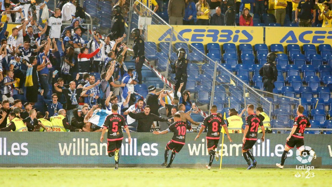 Los jugadores del Tenerife celebran un gol marcado a la UD Las Palmas