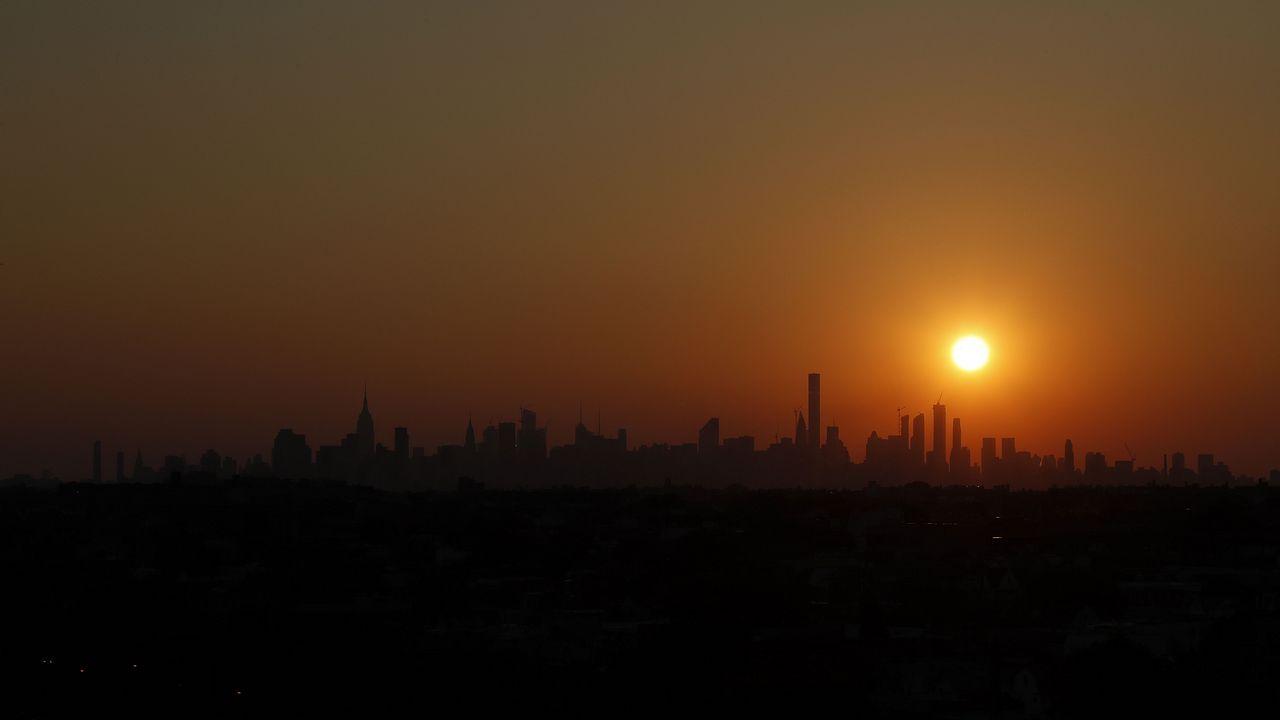 Fotografía del atardecer en Manhattan desde la cancha Arthur Ashe
